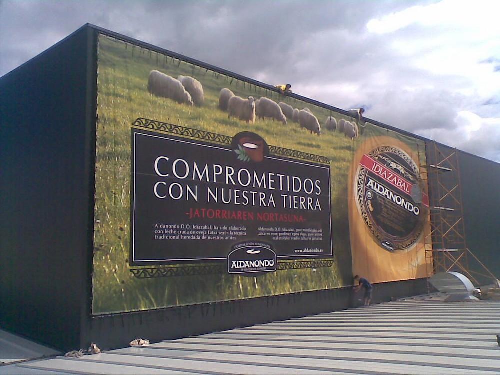 Lonas publicitarias   ICÓNICA   Expertos en rotulación en Vitoria-Gasteiz