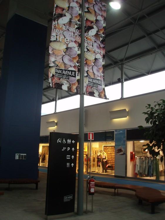 Lonas publicitarias Megapark Barakaldo | ICÓNICA | Expertos en rotulación en Vitoria-Gasteiz