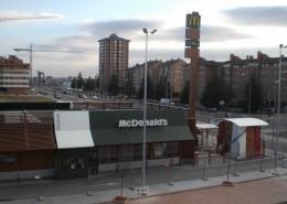 Monopostes Apia Palencia | ICÓNICA | Expertos en rotulación en Vitoria-Gasteiz