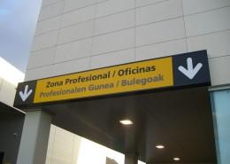 Señalética Jorge Fernández en Vitoria-Gasteiz | ICÓNICA | Rótulos en Vitoria-Gasteiz | Expertos en rotulación