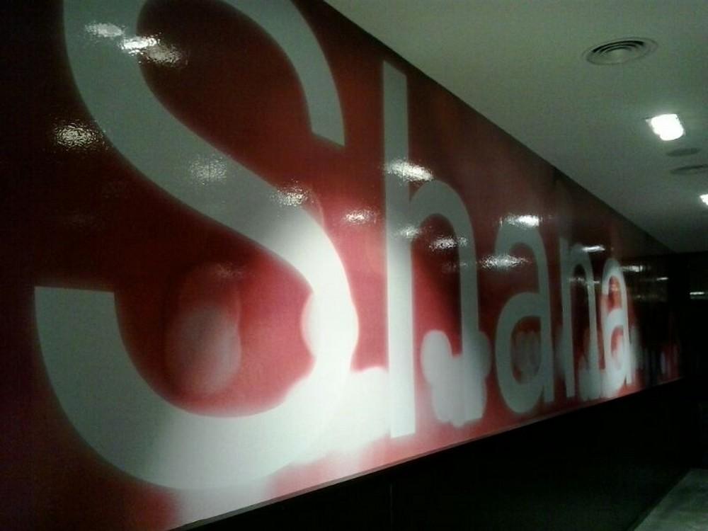 Vinilos adhesivos Shana Bilbao | ICÓNICA | Expertos en rotulación