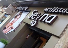 Letras retroiluminadas en Vitoria-Gasteiz | ICÓNICA | Expertos en rotulación en Vitoria-Gasteiz
