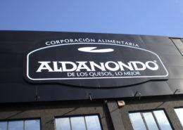 Fachadas ventiladas, recubrimiento fachada composite | ICÓNICA | Expertos en rotulación en Vitoria-Gasteiz